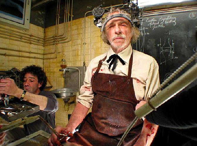 Pierre Richard dans Transit (Julien Leclercq, 2004)